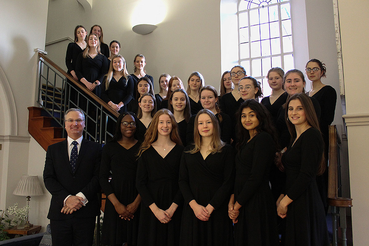 Female Voices Choir: Recording from Home